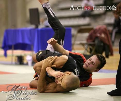 Fabrice Nolbas exécutant une clé de jambe sur Pierre Sauvage (futur champion !) en finale des - 66 kilos